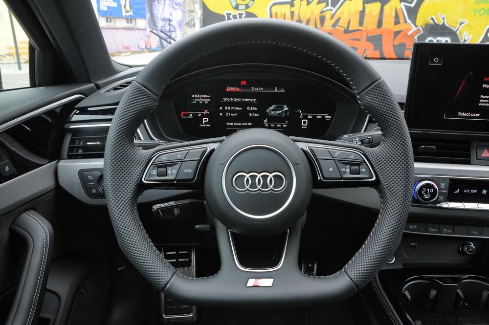 Audi_A4_40TDI_quattro_2019_01
