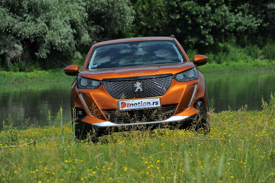 Peugeot_2008_2020_02